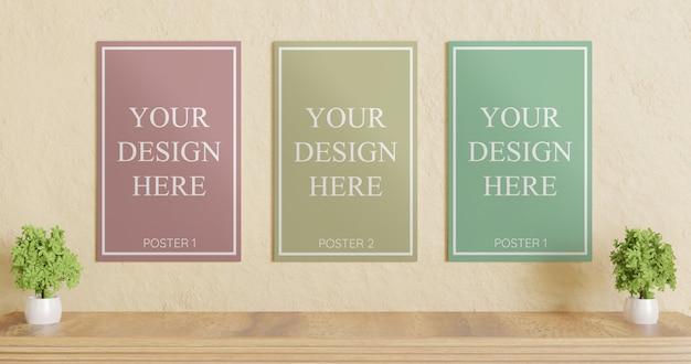 Drie poster mockup op gips muur