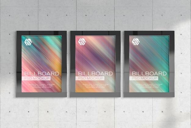 Drie verticale reclameborden in ondergronds station mockup