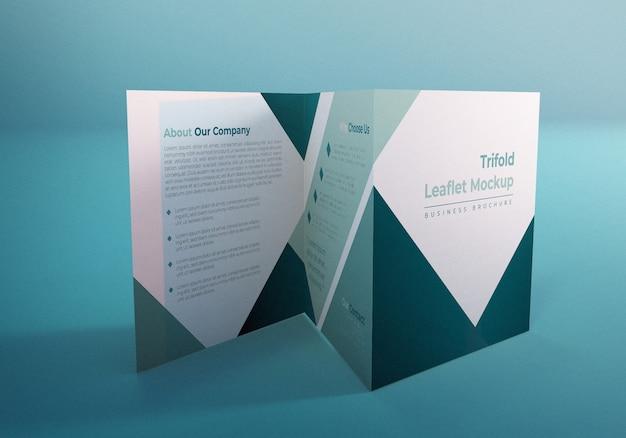 Driebladige vierkante brochure mockup