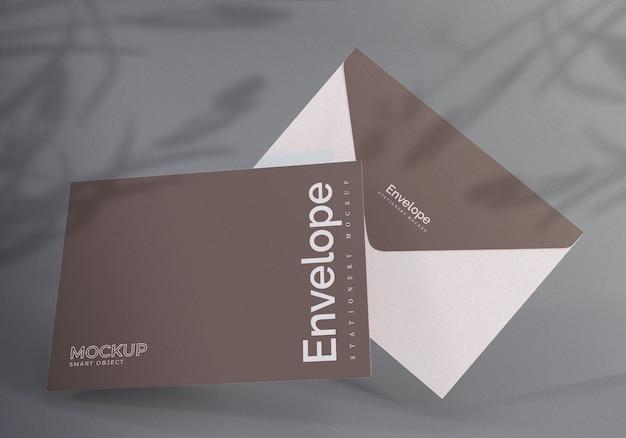 Drijvende envelop design mockup