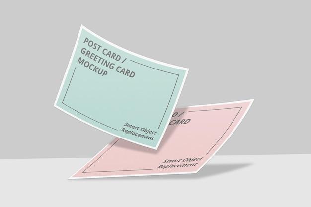 Drijvende uitnodiging of ansichtkaart mockup-ontwerp