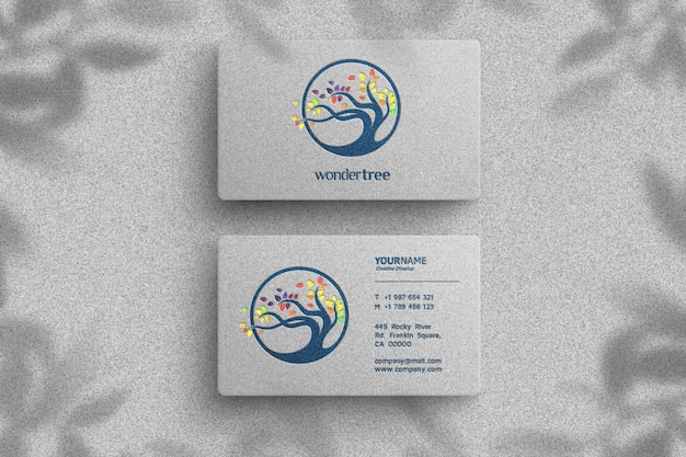 Eenvoudig logo mockup op wit visitekaartje