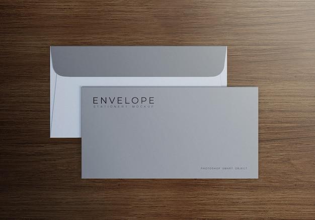 Eenvoudig monarch envelop mockup design