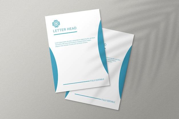 Eenvoudige elegante papieren mockup op a4-formaat