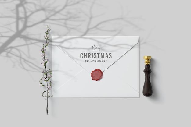Eenvoudige en schone envelop met kerstthema
