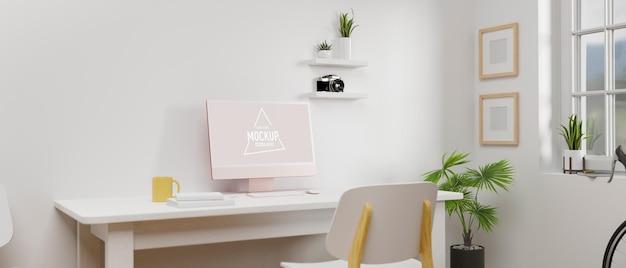 Eenvoudige werkruimte met mockup voor computerapparatuur