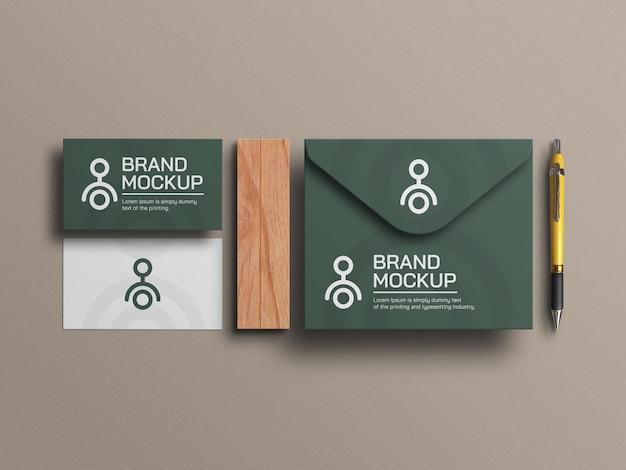 Elegant visitekaartje met envelopmodel
