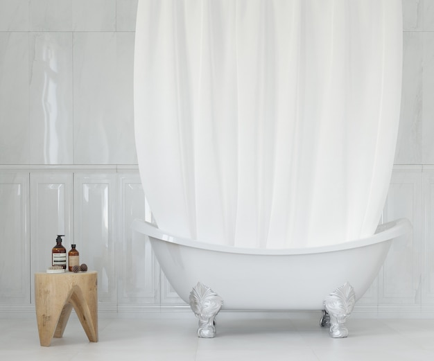 Elegante baño con cortina blanca.