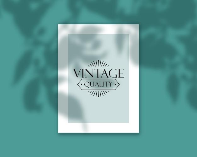 Elegante copertina del libro modificabile mock up con sovrapposizione di ombre