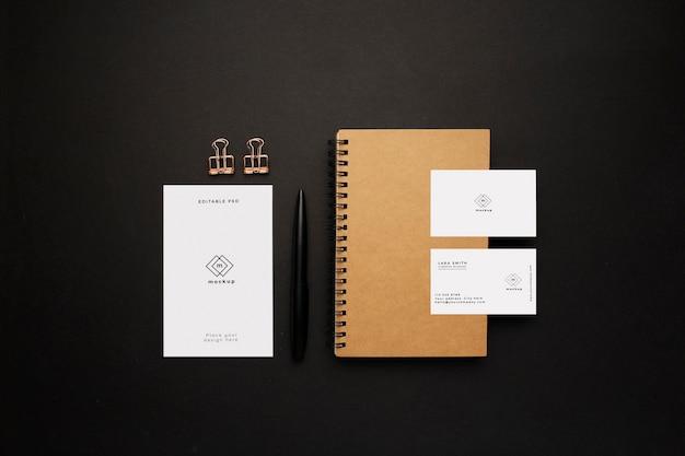 Elegante fondo de escritorio de negocios con elementos de maqueta