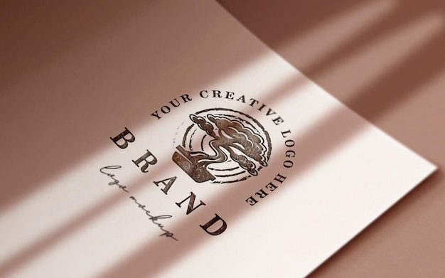 Elegante maqueta de logo de papel curvo