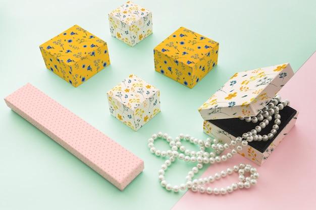 Elegante sieraden en verpakking mockup