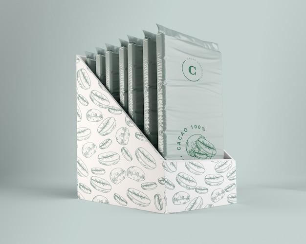 Envoltura de plástico y diseño de caja para chocolate.