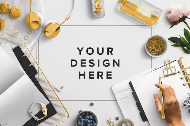 Espacio de escritorio para copy mockup con elementos de oficina