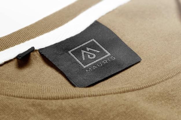 Etiqueta de etiqueta de suéter de maqueta de logotipo
