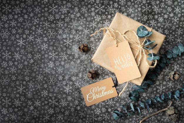 Etiquetas de regalo y navidad con espacio de copia