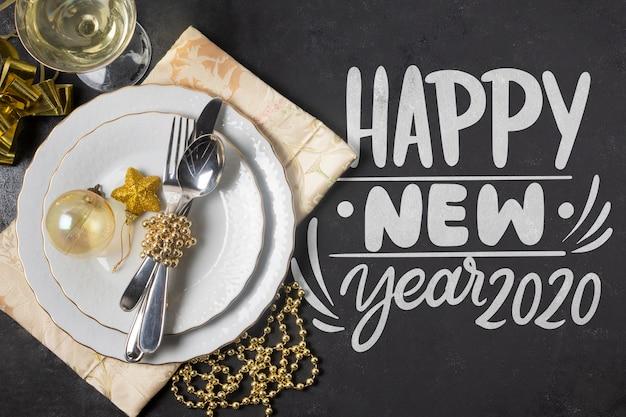 Feliz año nuevo concepto con maqueta