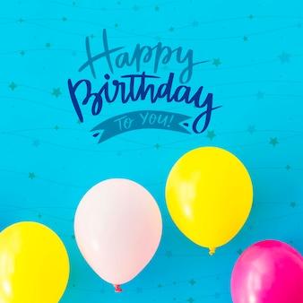 Feliz cumpleaños a ti con globos de colores