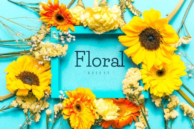 Floral frame mock-up concept Gratis Psd
