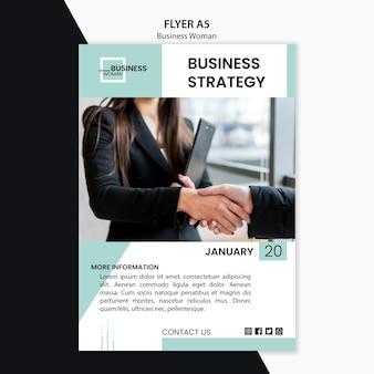 Flyer met zakenvrouw concept