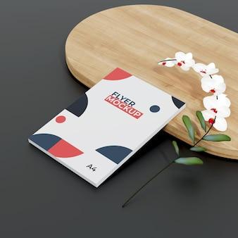 Flyer mockup met bloemdessin