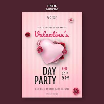 Flyer-sjabloon voor valentijnsdag met hart en rode rozen