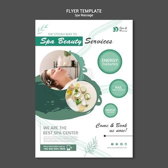 Flyer vertical para masaje spa con mujer