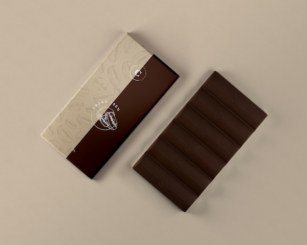 Foglio di tavoletta di cioccolato che avvolge mock-up
