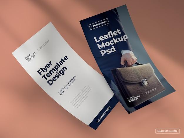Folder flyer mockup met veranderlijke achtergrondkleur