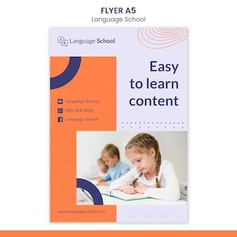 Folleto vertical para escuela de idiomas