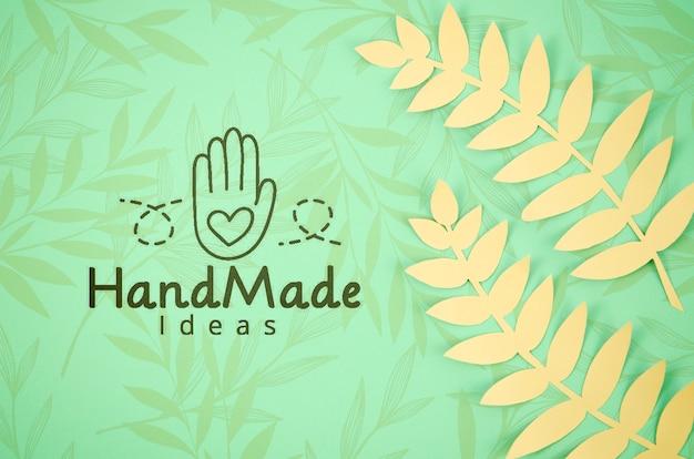 Fondo delle piante di carta fatto a mano con le felci