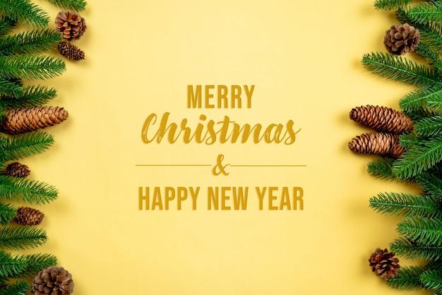 Fondo de navidad, pino con maqueta de decoración navideña