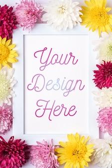 Fotolijstmodel versierd met chrysantenbloemen