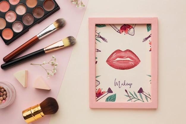 Frame met het model van het make-upconcept