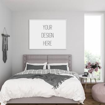 Frame mockup in slaapkamer met wit horizontaal frame
