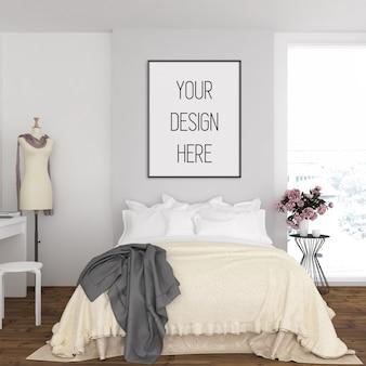 Frame mockup in slaapkamer met zwart verticaal frame