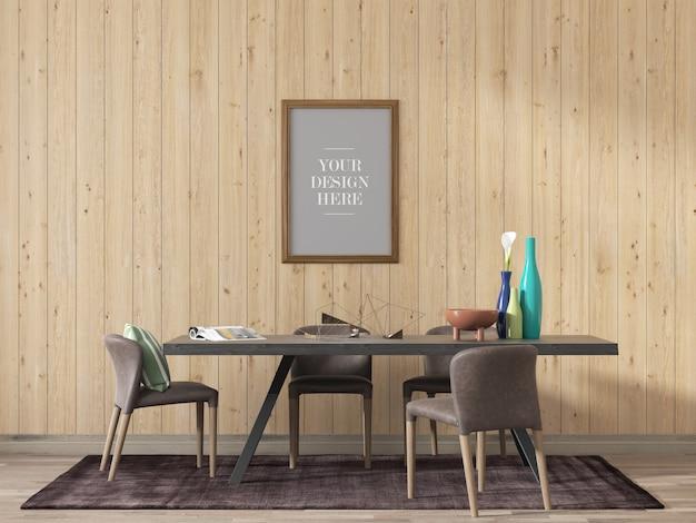 Frame mockup op houten muur vanuit de eetkamer