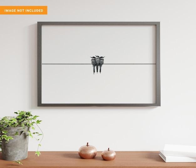 Frame opknoping in witte woonkamer met decoraties mockup 3d-rendering