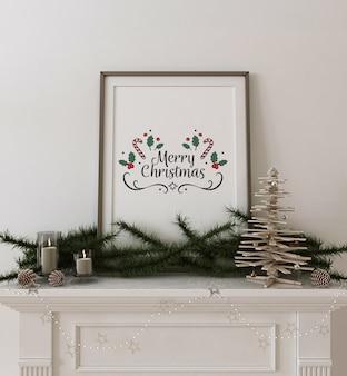 Frame poster mockup met houten kerstboom en decoratie