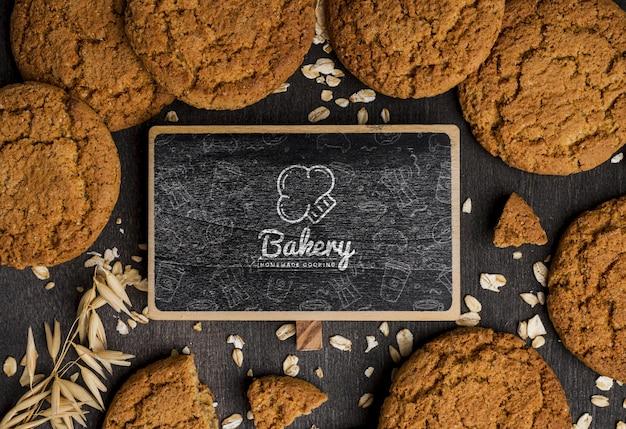 Frame van koekjes op tafel