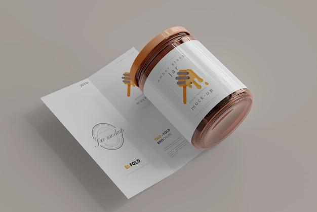 Frasco con maqueta de folleto plegable