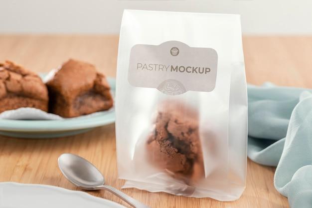 Gebak in transparante verpakking mockup