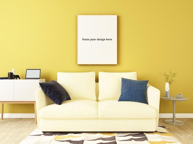 Gele muur met bank, decoratieve sets en postermodel