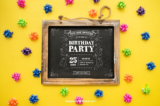 Gelukkig verjaardagsconcept met leisteen