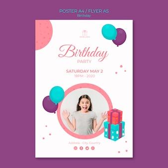 Gelukkige verjaardag jong meisje poster sjabloon
