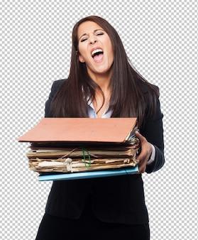 Genial mujer de negocios con archivos