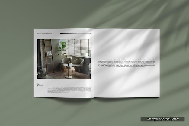 Geopend vierkant tijdschriftmodel