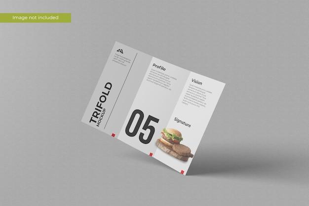 Geopende driebladige brochure mockup
