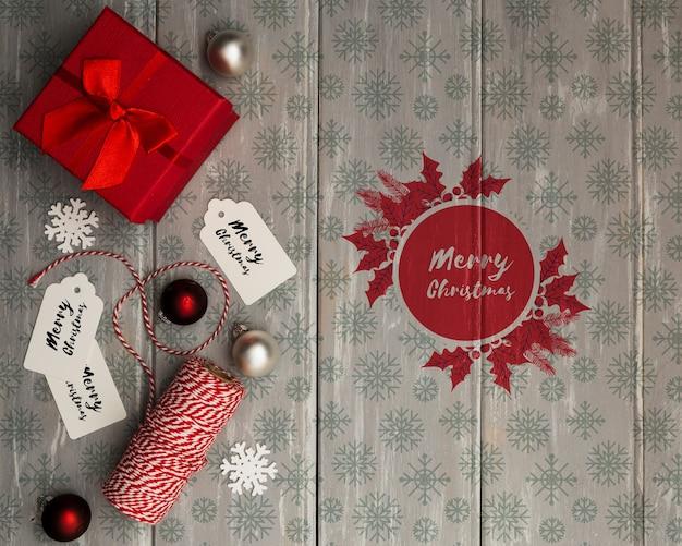 Geschenk boog verpakt voor kerstavond