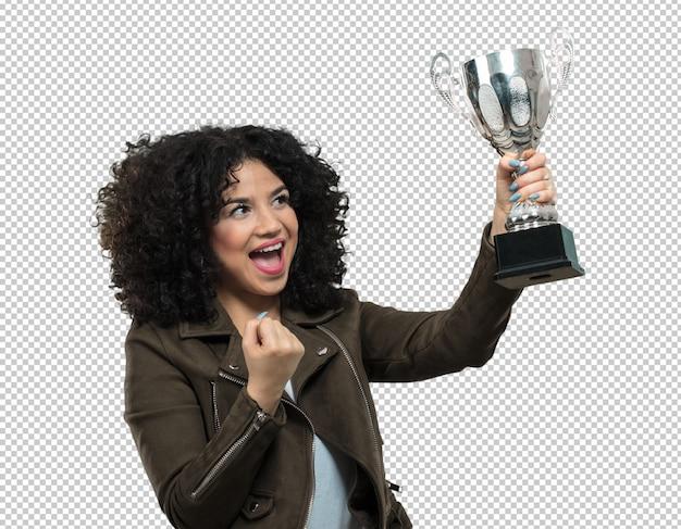 Giovane donna che tiene un trofeo